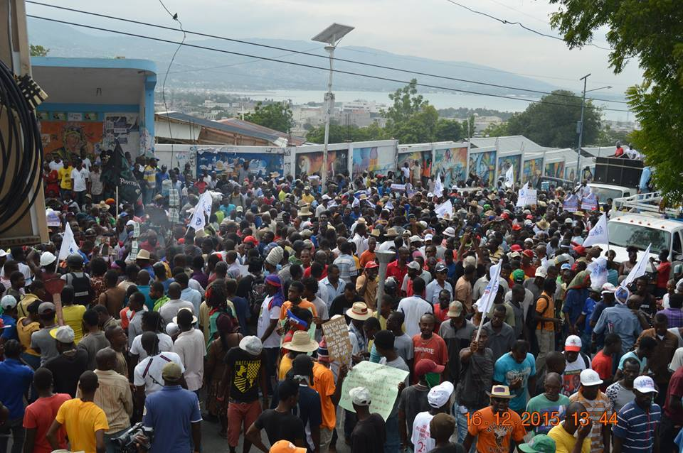 Fanmi Lavas supporters protest in the streets of the Port-Au-Prince in support to their candidate Dr. Maryse Narcisse. Photo from Fanmi Lavalas presidential  Dr. Maryse Narcisse Facebook page.